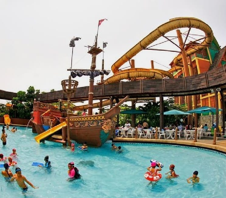 Fantasia Lagoon Waterpark at The Mall Shopping Center Bangkae